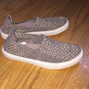Mossimo skater style mesh sneakers  women's 7.5